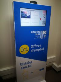 borne emploi france services