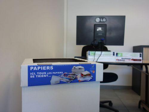 collecteur_papiers.jpg